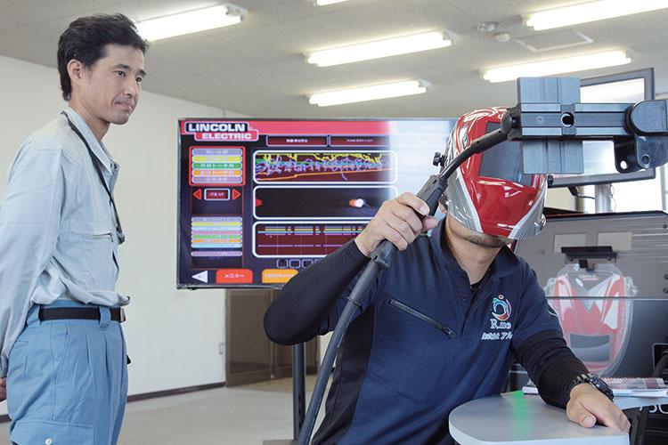バーチャル溶接トレーニングシステムを使用したシミュレーション学習